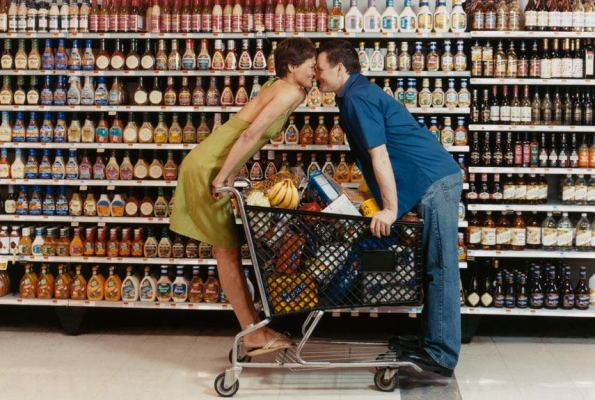 5488a398f4087_-_rbk-couple-in-grocery-store-1-0211-xl